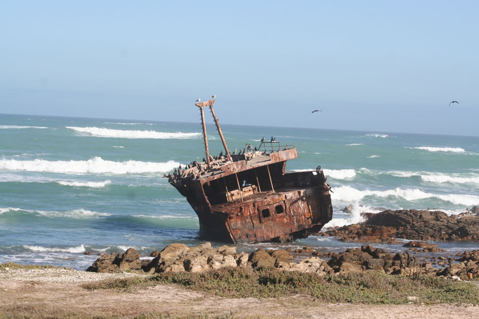 quinns-holiday-gallery-shipwreck